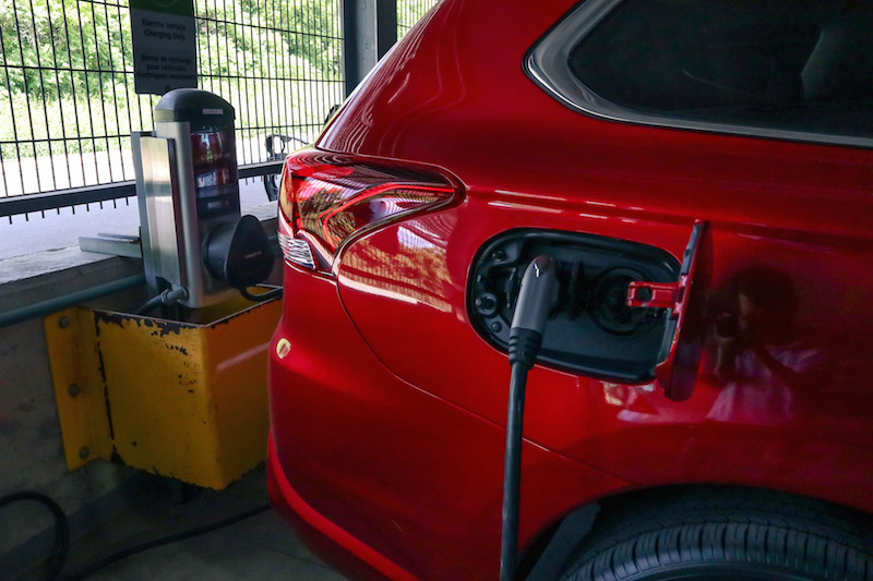 2018 Mitsubishi Outlander PHEV plugged in