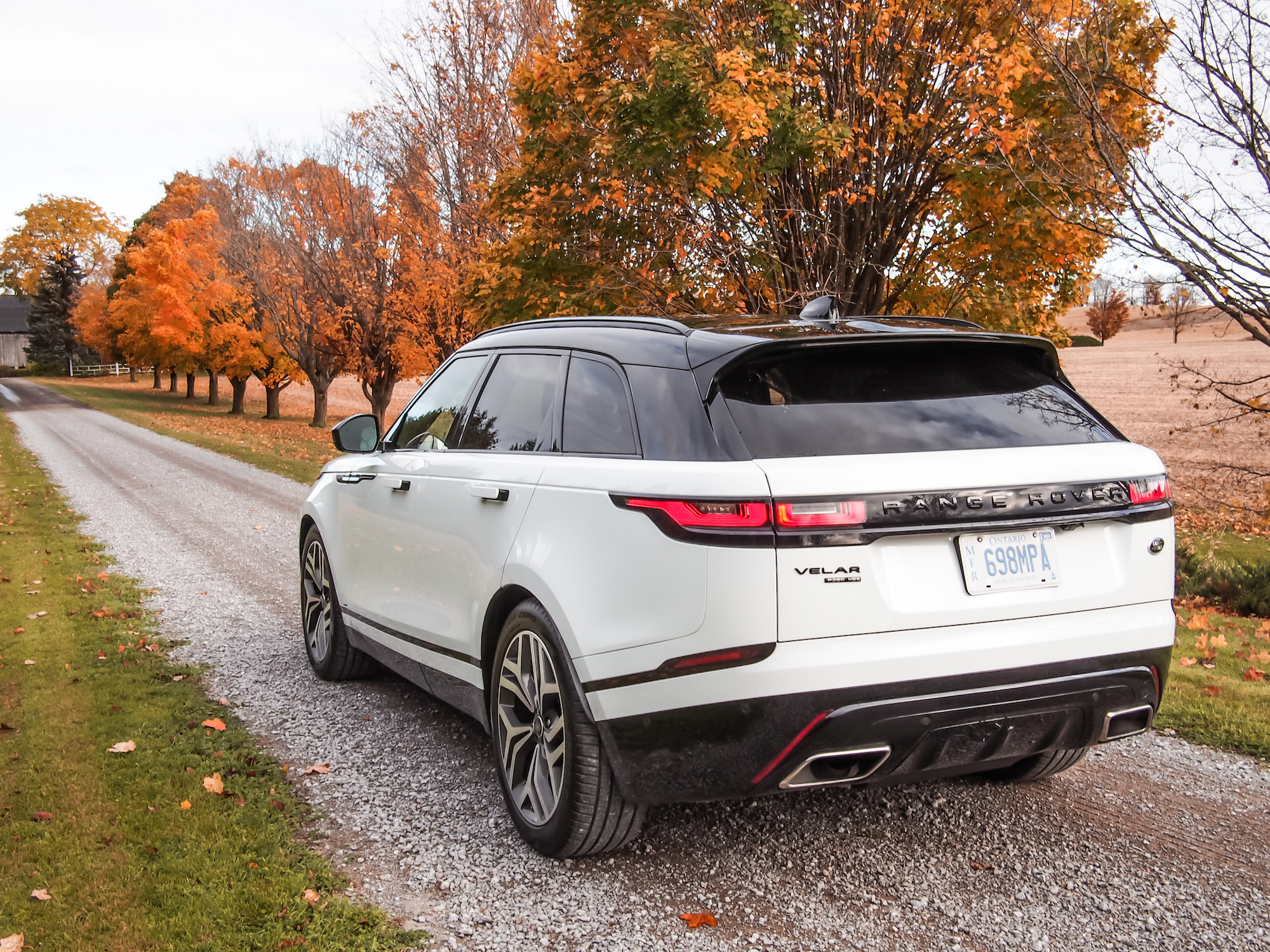 2018 velar r dynamic hse canadian auto review. Black Bedroom Furniture Sets. Home Design Ideas