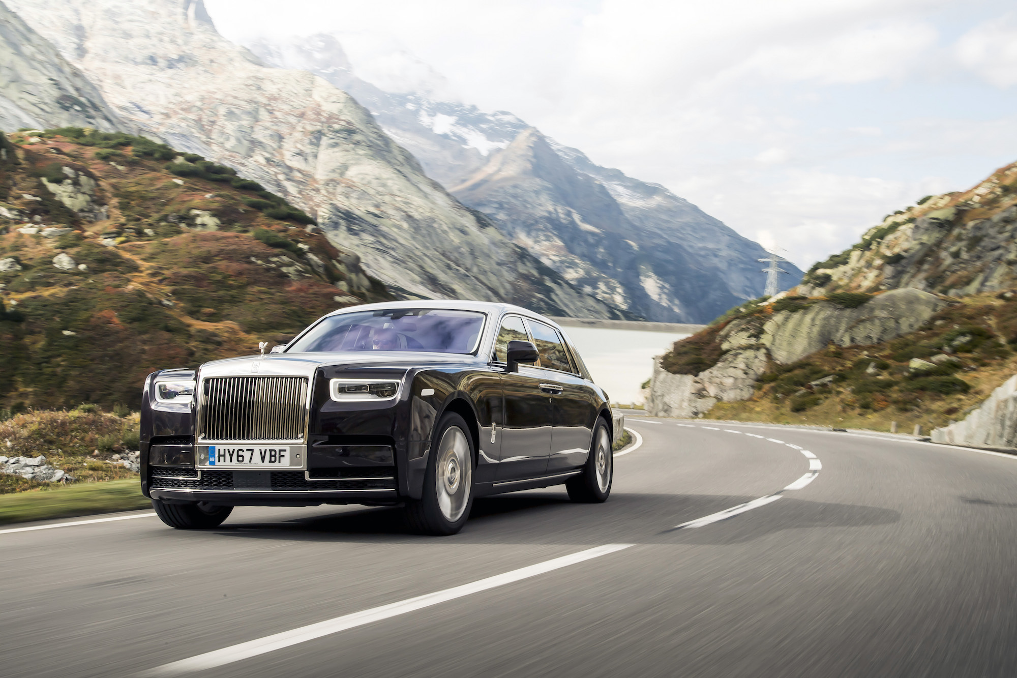First Look: 2018 Rolls-Royce Phantom VIII