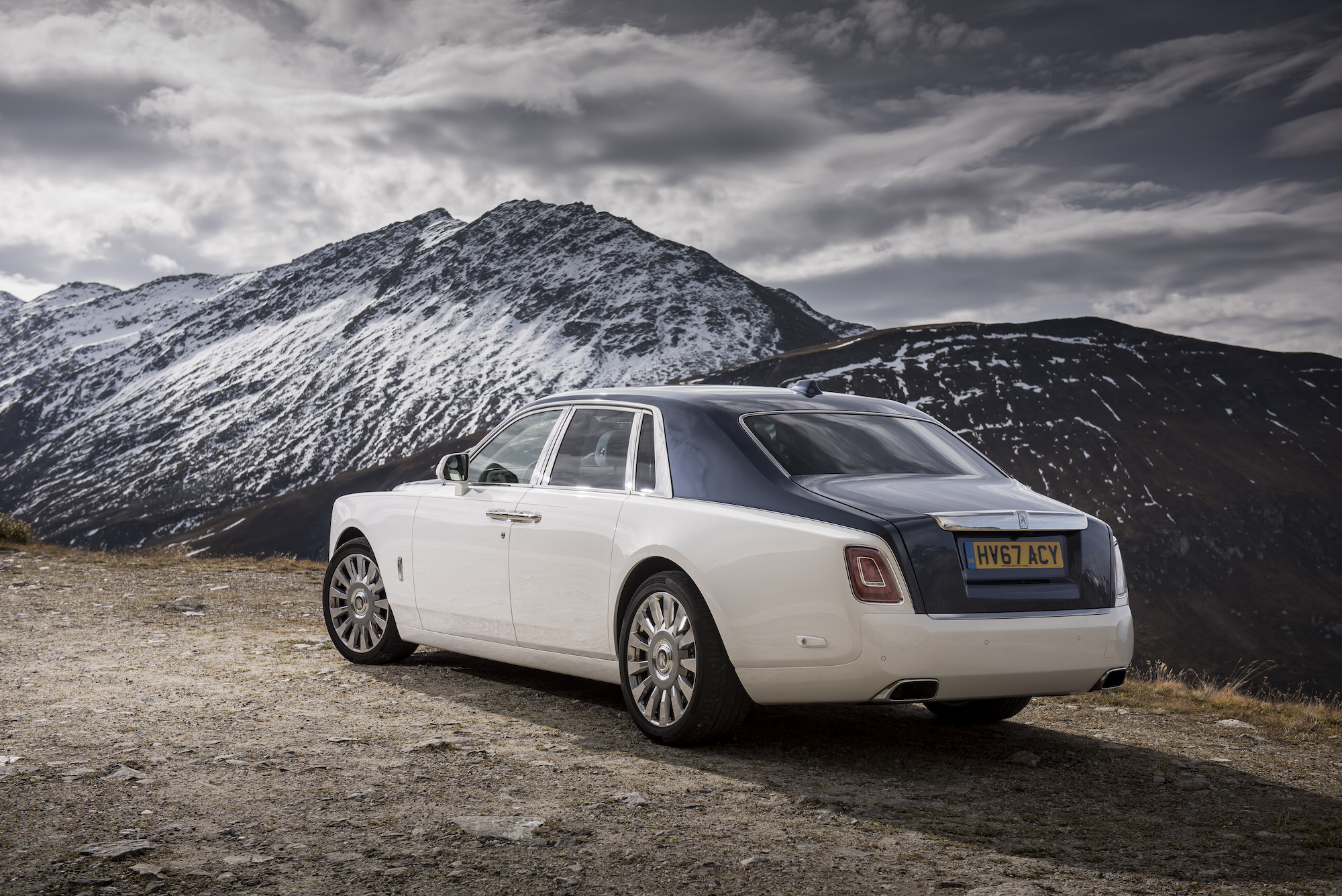 first look 2018 rolls royce phantom viii canadian auto review. Black Bedroom Furniture Sets. Home Design Ideas