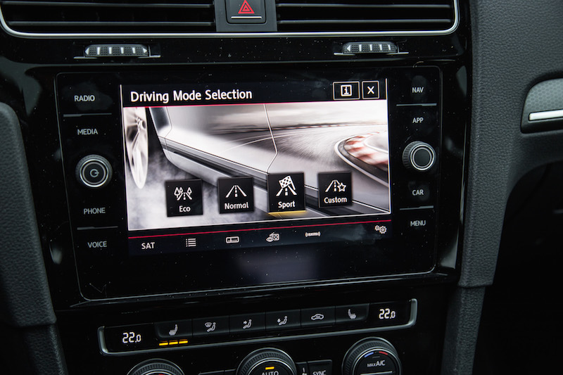 2018 Volkswagen Golf GTI driving mode select