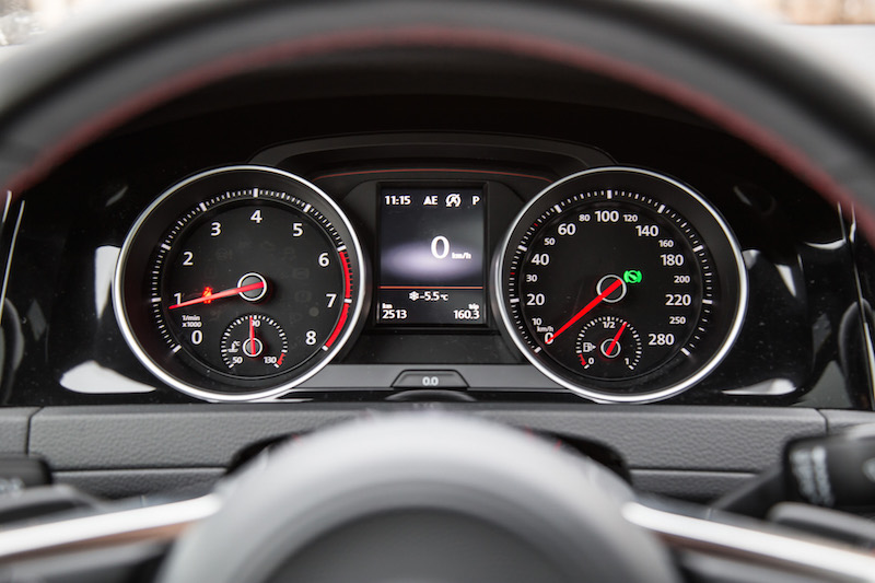 2018 Volkswagen Golf GTI gauges