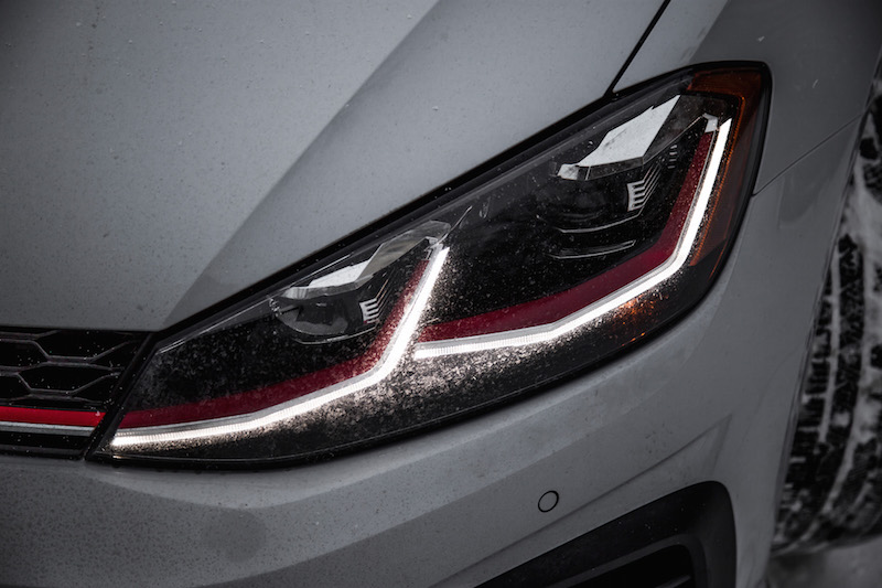 2018 Volkswagen Golf GTI led headlights