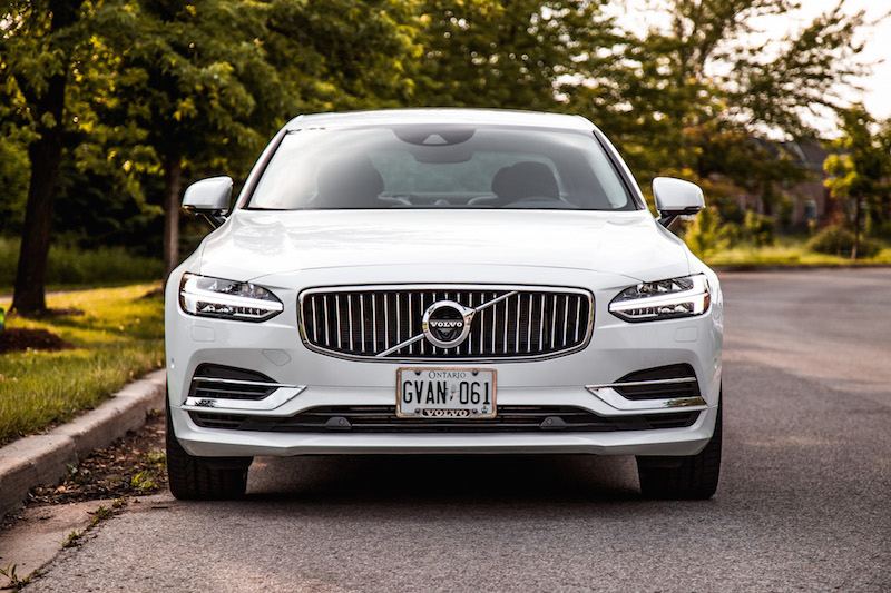 2018 Volvo S90 T8 Inscription front view grill