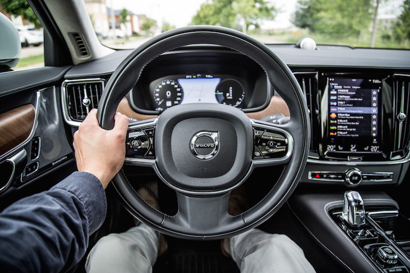 2018 Volvo S90 T8 Inscription steering wheel
