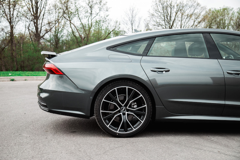 2019 Audi A7 roofline spoiler up