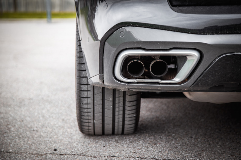 2019 BMW X5 xDrive 50i exhaust pipes