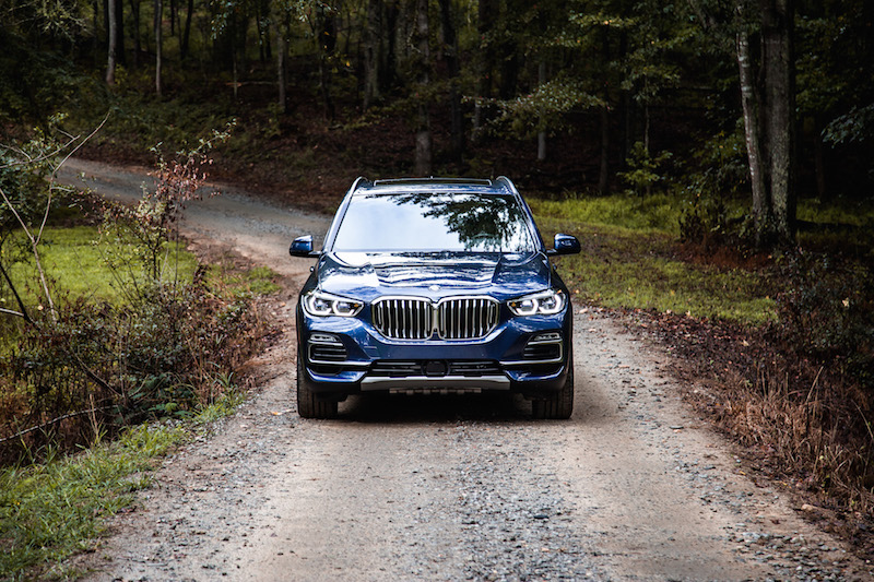 2019 BMW X5 phytonic blue front view
