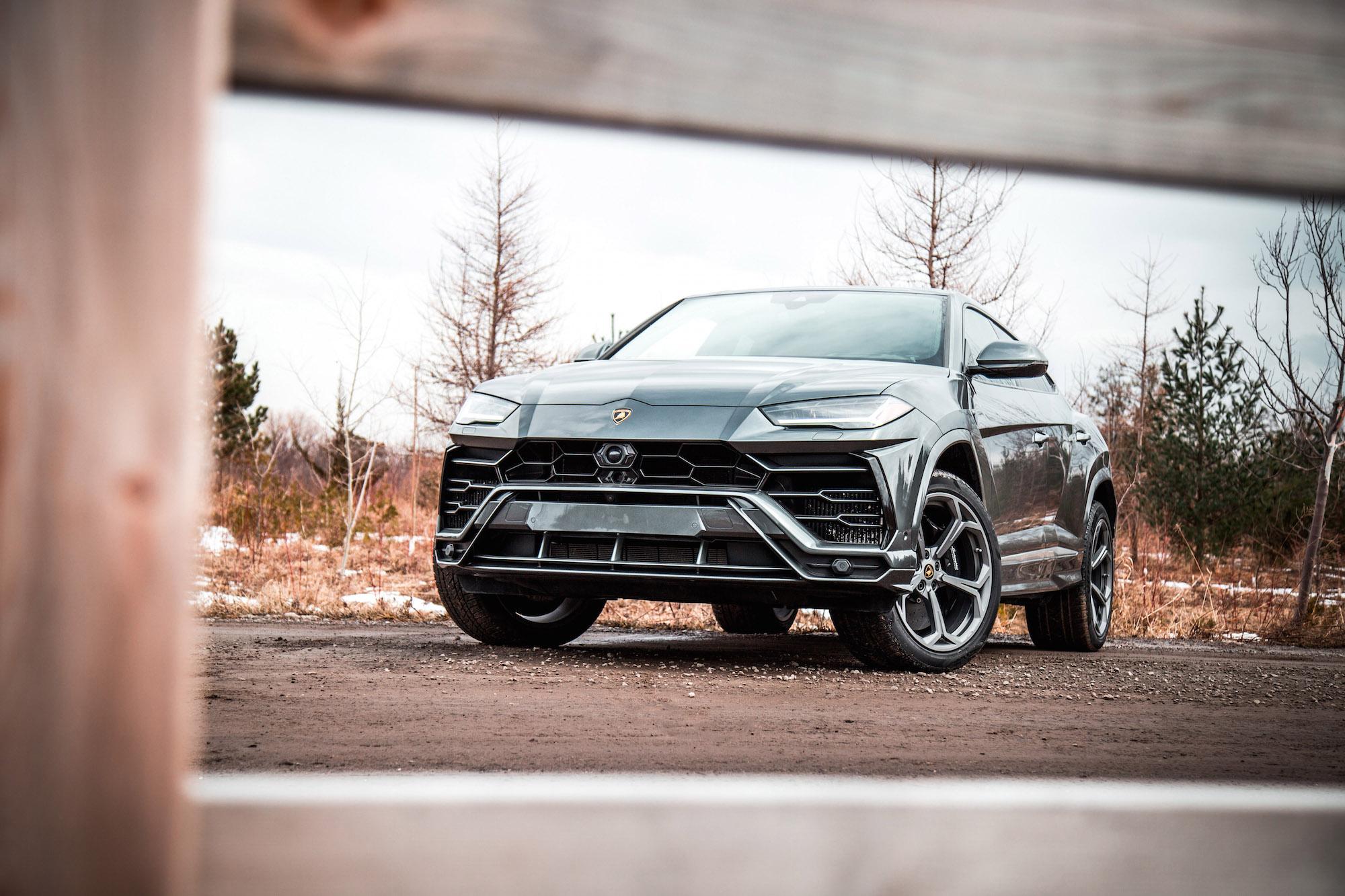 First Look: 2019 Lamborghini Urus | Canadian Auto Review