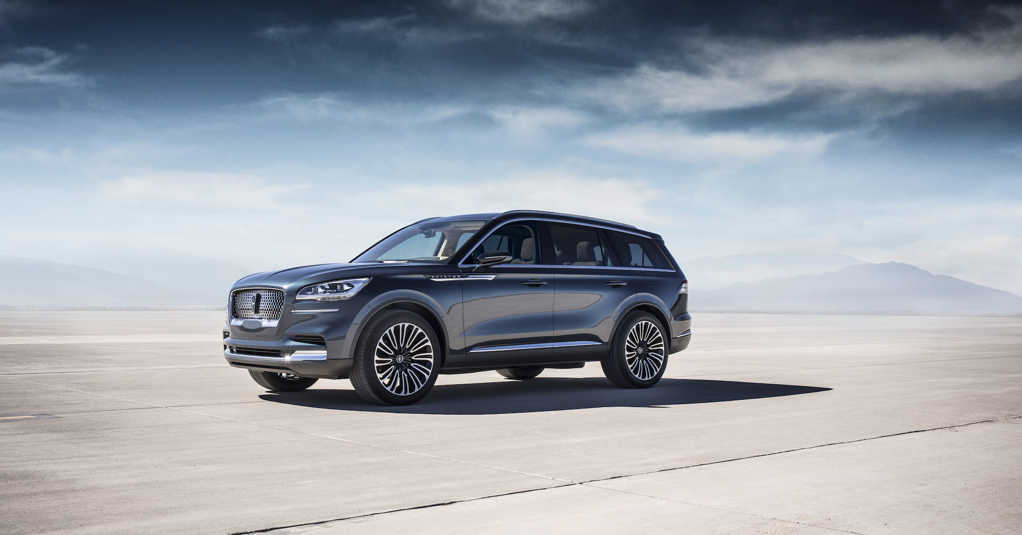 2019 Lincoln Aviator: Design, Options, Price >> First Look 2019 Lincoln Aviator Canadian Auto Review