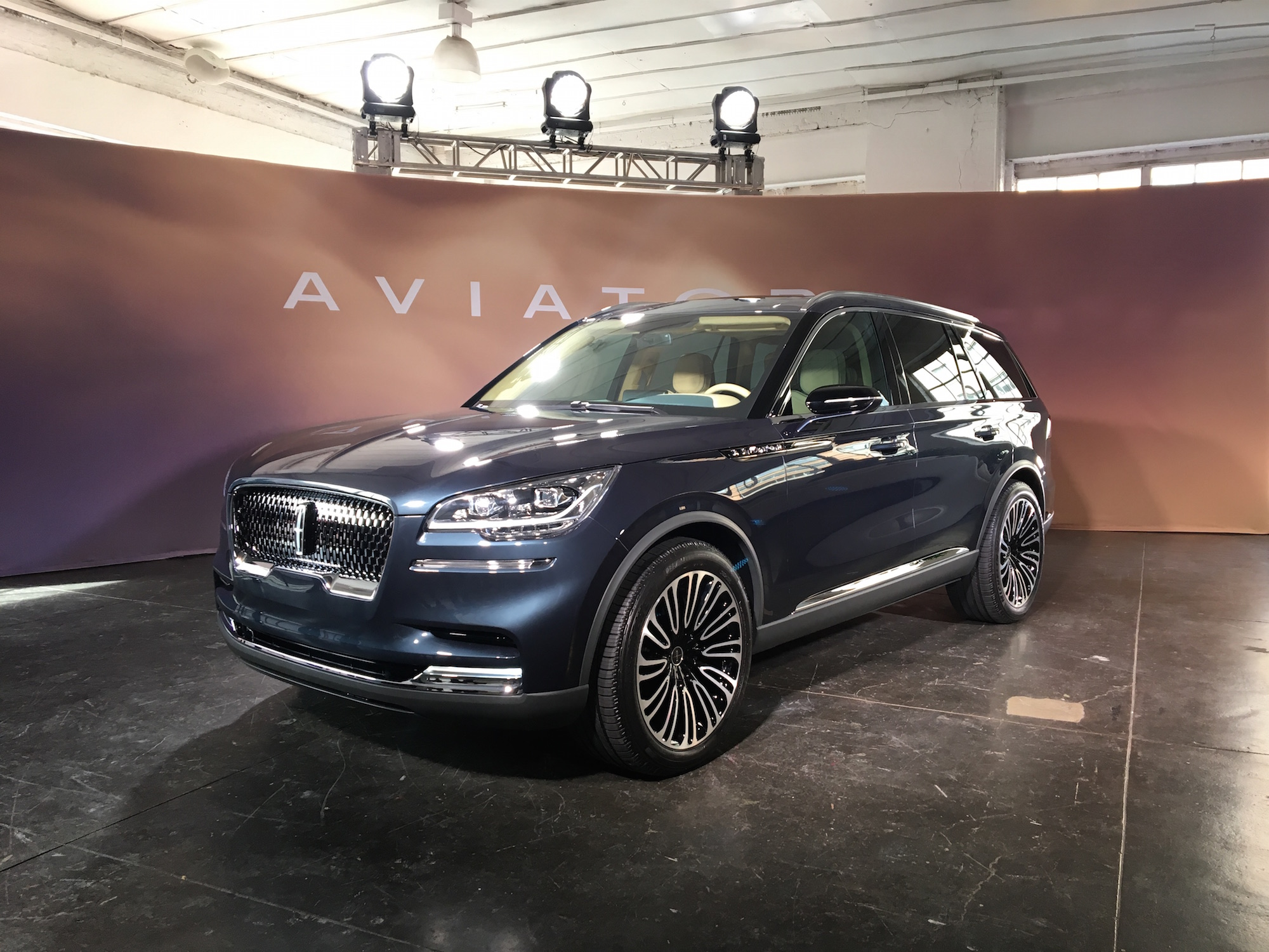 First Look 2019 Lincoln Aviator Canadian Auto Review