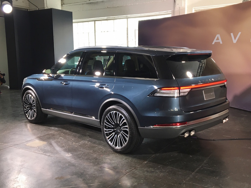 Lincoln Motor Company >> First Look: 2019 Lincoln Aviator | Canadian Auto Review