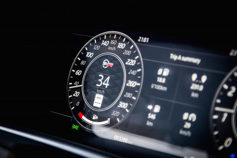 2019 Range Rover SVR digital speedometer gauges