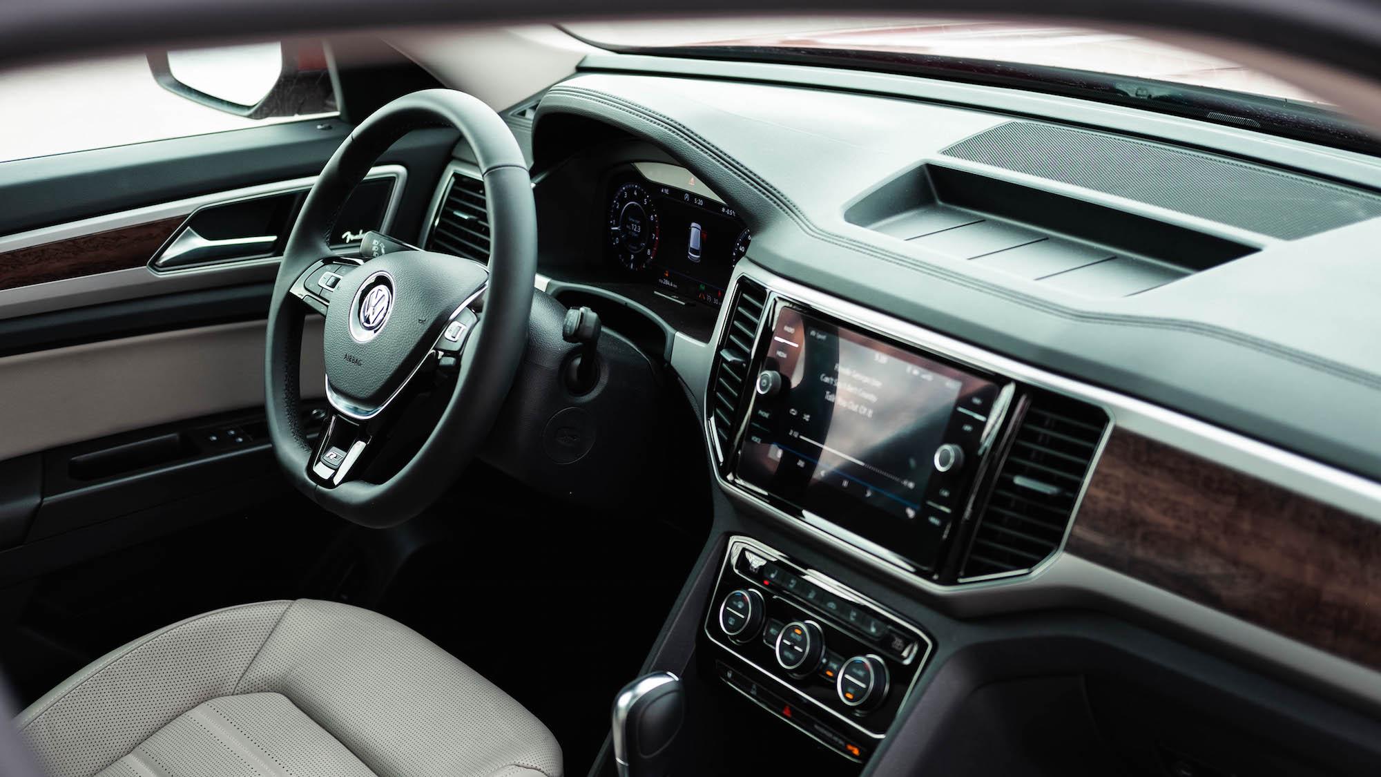 Review: 2019 Volkswagen Atlas R-Line   CAR