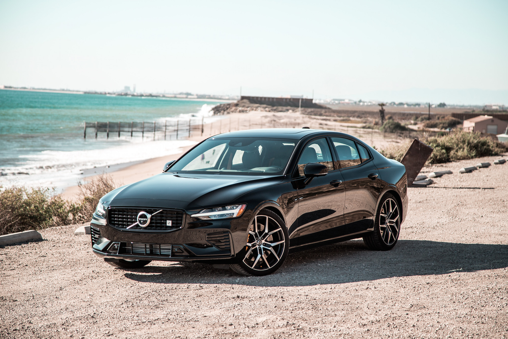 drive  volvo  polestar engineered    awd car