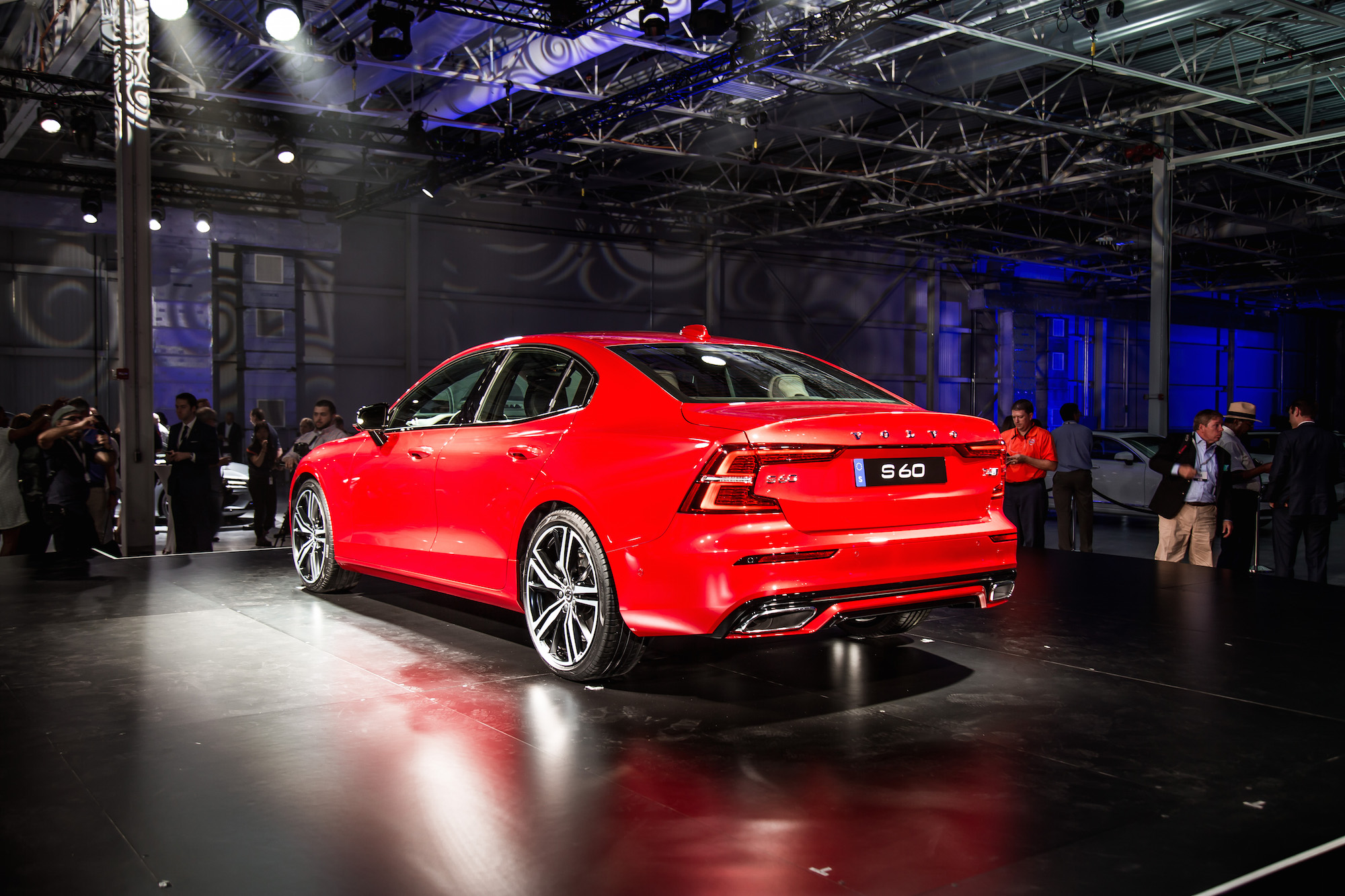 First Look: 2019 Volvo S60 | CAR