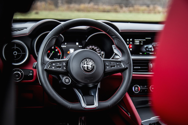 2020 Alfa Romeo Stelvio Ti new steering wheel