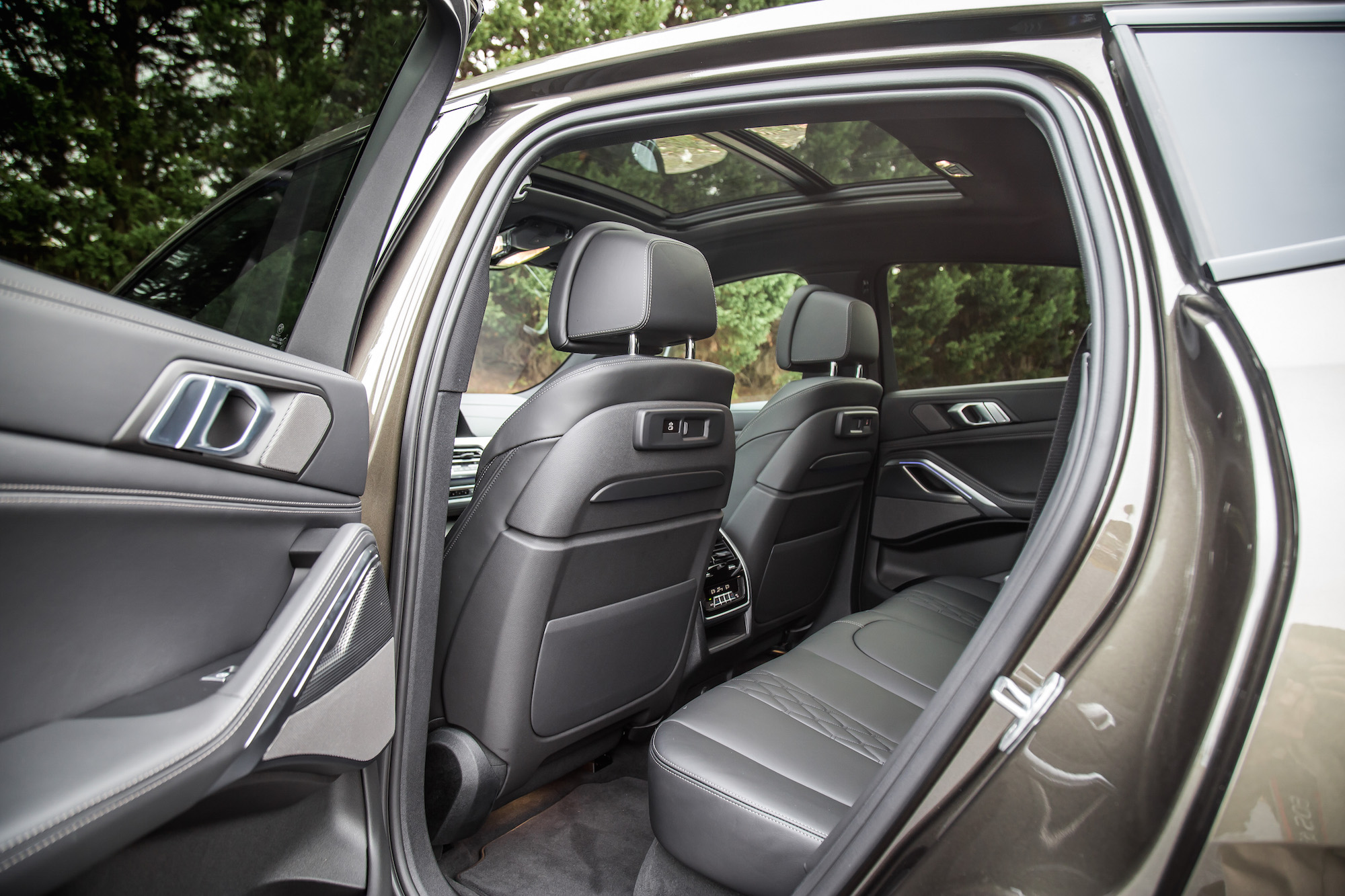 Review 2020 Bmw X6 M50i Car