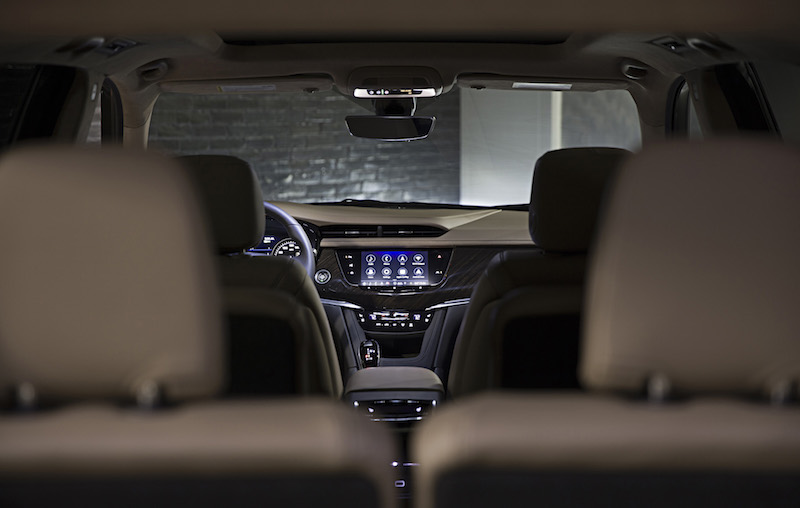 2020 Cadillac XT6 new infotainment display screen