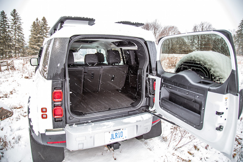 2020 Land Rover Defender 110 SE side hinged liftgate trunk opening