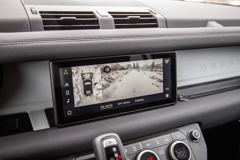 2020 Land Rover Defender 110 SE touchscreen 360 degree camera