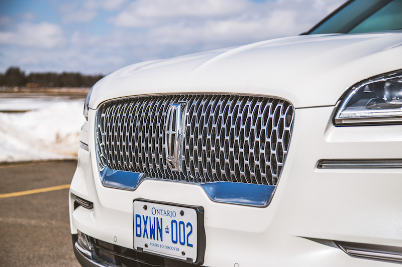 2020 Lincoln Aviator Reserve illuminated package front grill
