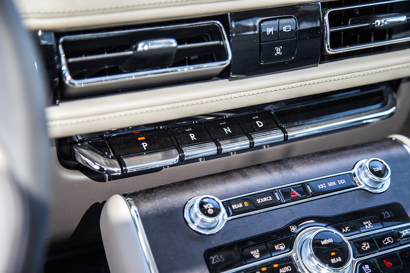 2020 Lincoln Aviator Reserve piano key gear buttons