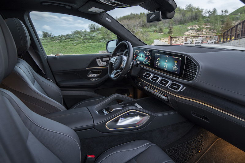 2020 Mercedes-Benz GLS dashboard ambient lighting