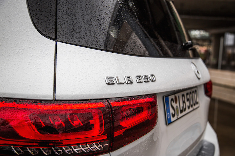 2020 Mercedes-Benz GLB 250 4MATIC rear lights