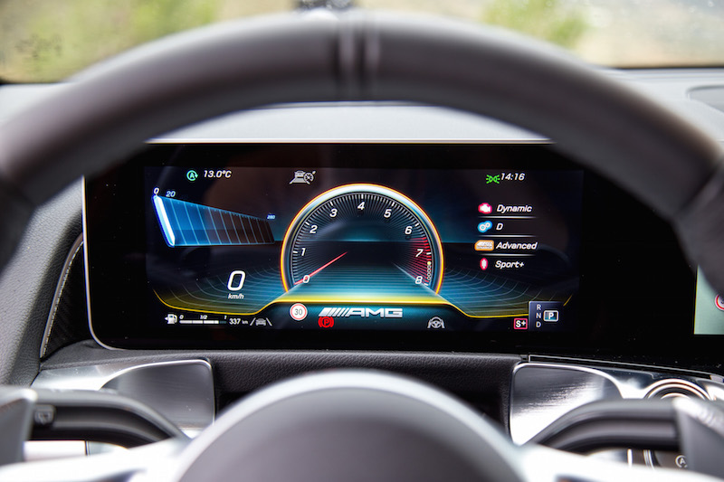 2021 Mercedes-AMG GLB 35 4MATIC instrument display