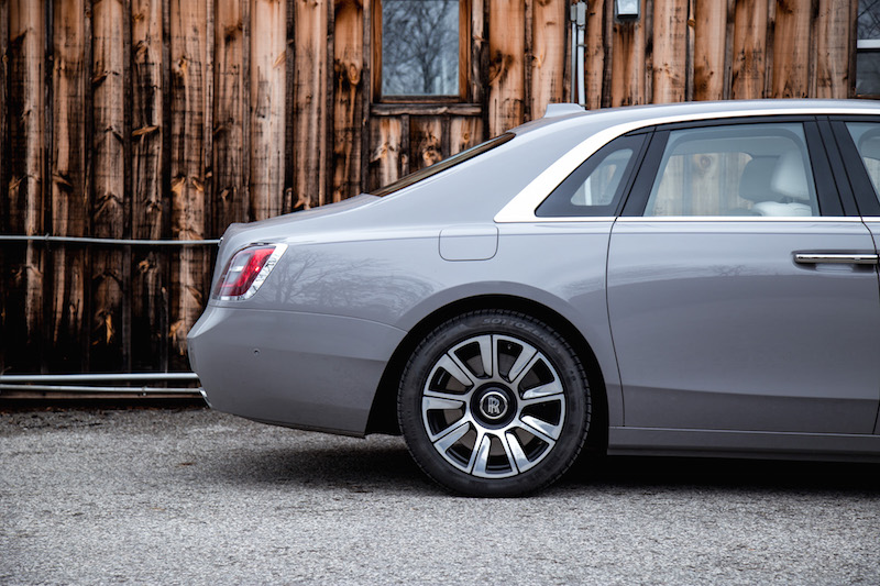 2021 Rolls-Royce Ghost Tempest Grey rear wheels
