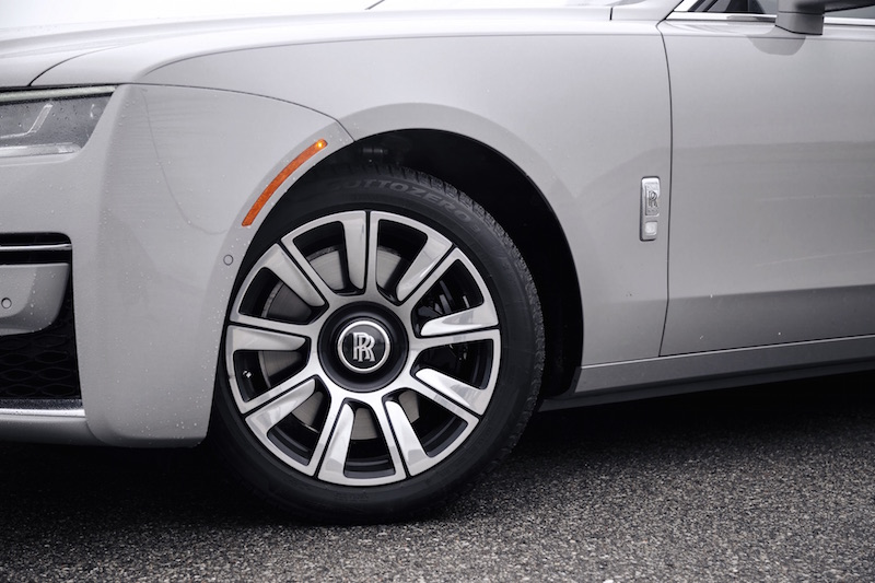 2021 Rolls-Royce Ghost Tempest Grey pirelli sottozero wheels front tires